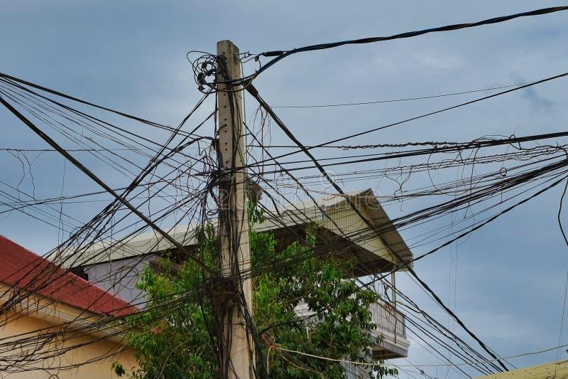 Kręceni druty linia energetyczna zdjęcie royalty free