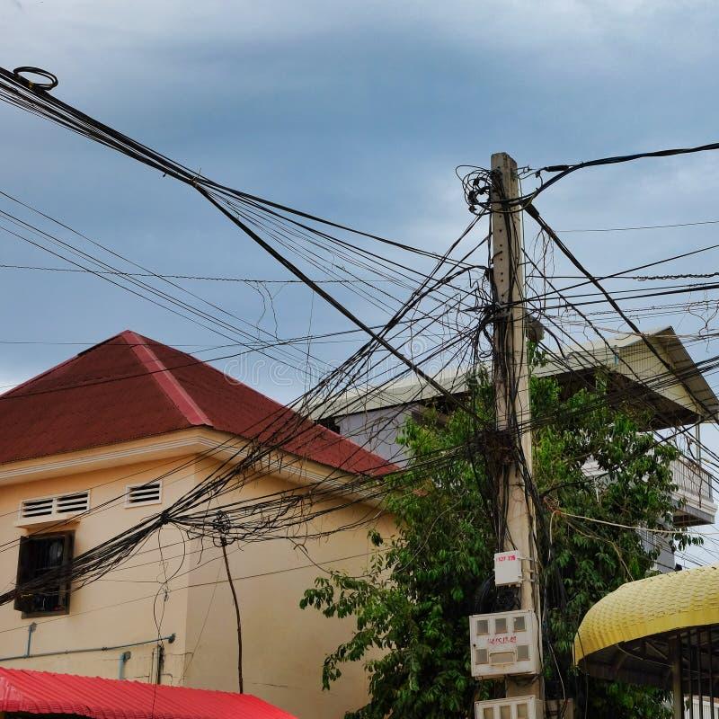 Kręceni druty linia energetyczna obrazy stock