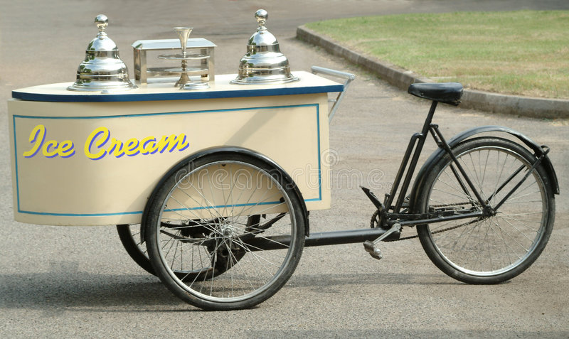 kräm- is för cykel royaltyfria foton