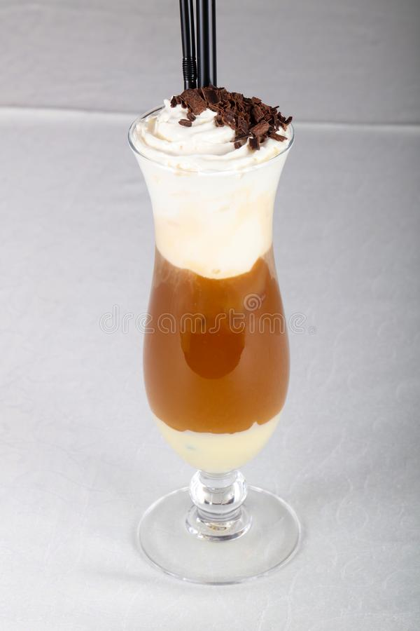 kräm- is för kaffe arkivbilder