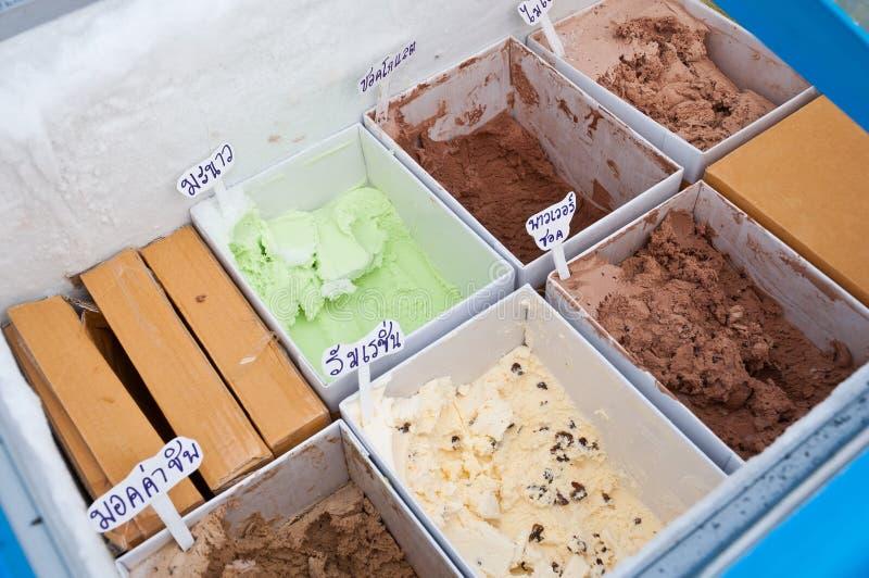 kräm- isförsäljning royaltyfri fotografi
