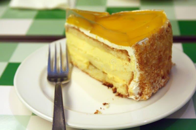 kräm- mango för cake royaltyfri foto