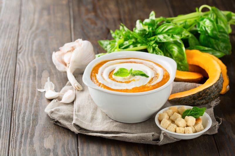 Kräm- soppa för pumpa royaltyfria foton