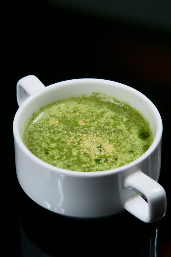 kräm- soup för sparris royaltyfri fotografi