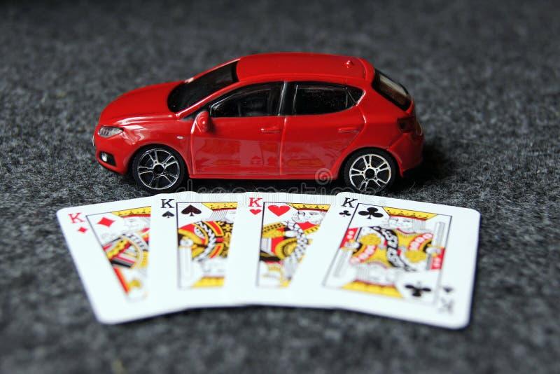 4 królewiątka z czerwonym samochodem ilustracja wektor