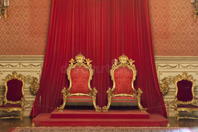 Królewiątka i królowej trony przy Ajuda pałac, Lisbon obraz stock