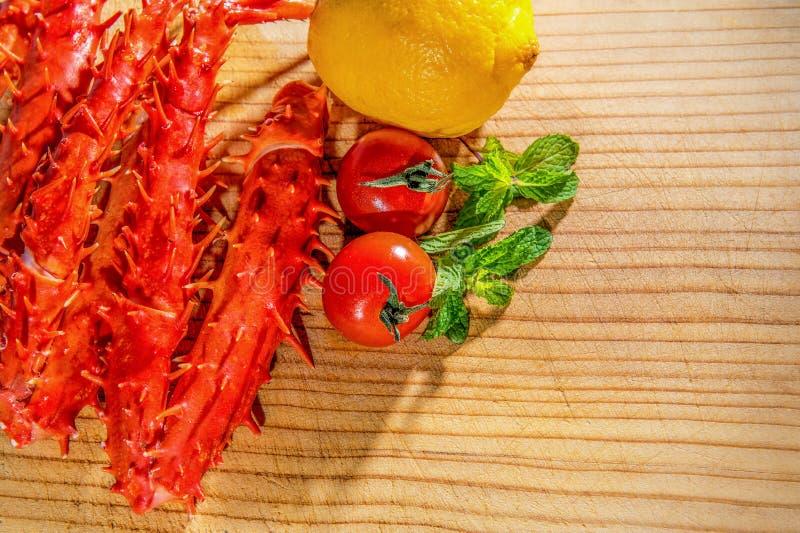 Królewiątko krab, Karmowy krab nogi zdjęcie stock