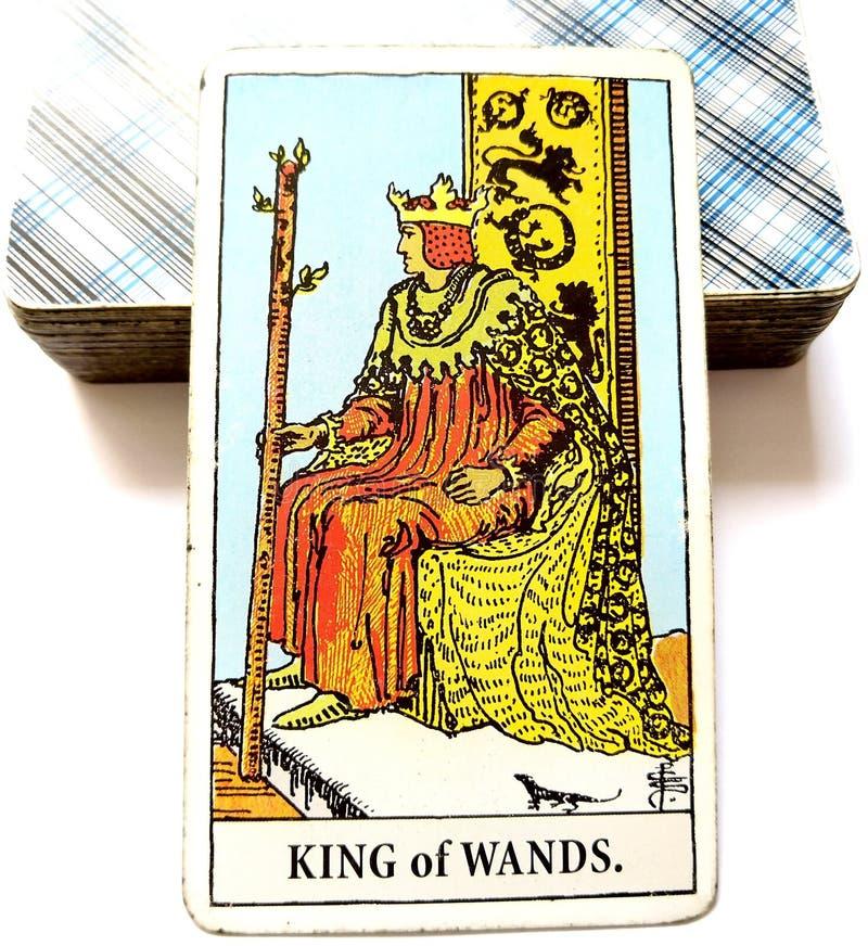 Królewiątko różdżki Tarot karty lidera władcy szefa Dynamicznego Potężnego Silnego dyrektora mentor wzorzec międzynarodowy Doświa zdjęcie royalty free