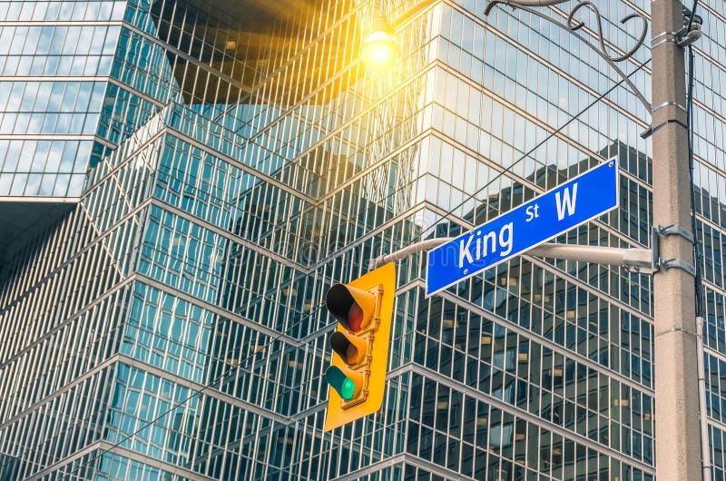 Królewiątko znak uliczny - Toronto śródmieście fotografia stock