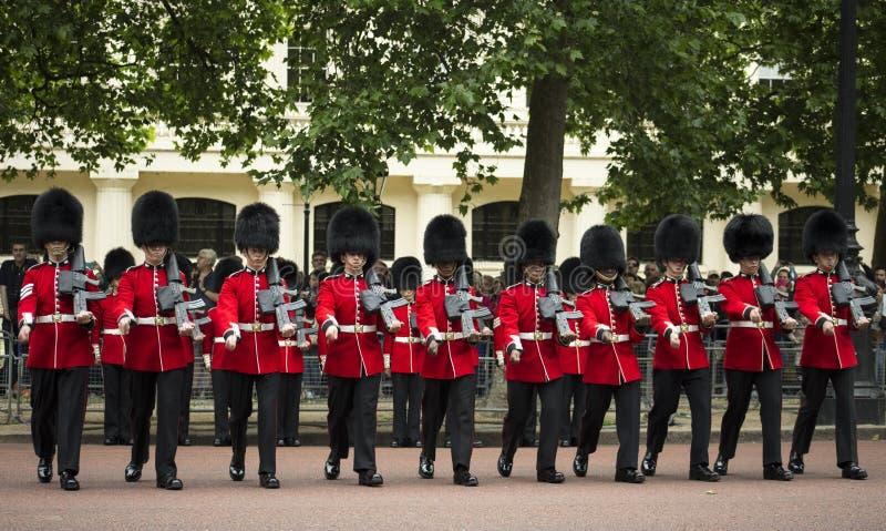 Królewscy strażnicy, Londyn fotografia stock