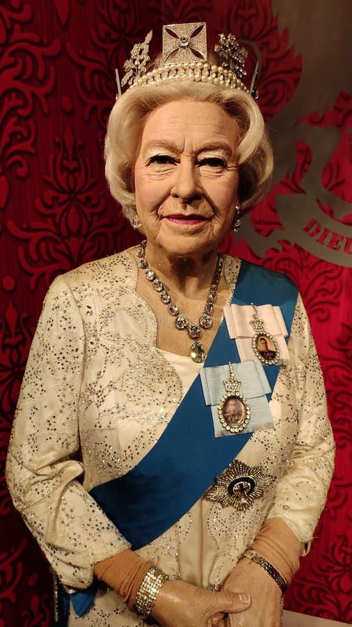 Królowa Elżbieta II zamyka w górę wosk statuy Madame Tussauds Singapur obraz stock