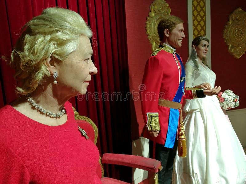 Królowa Elizabeth i Brytyjski rodziny królewskiej wosku statua obraz royalty free