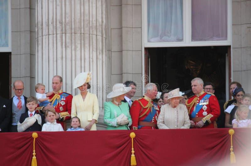 Królowa Elizabeth Londyński uk 8June 2019 - Meghan Markle książe Harry George William Charles Kate Middleton obrazy royalty free
