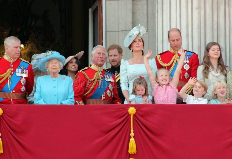Królowa Elizabeth, Londyn, uk, 9th 2018 Czerwiec - Meghan Markle, książe Harry, książe George William, Charles, Kate Middleton &  obrazy royalty free