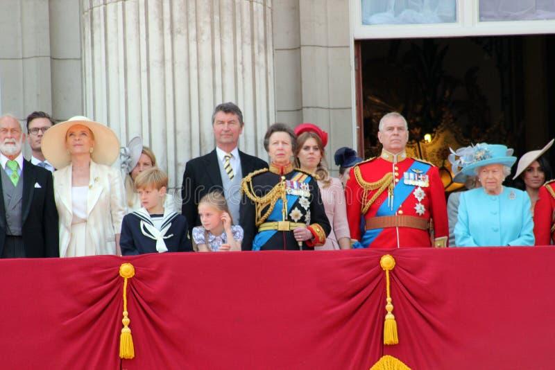 Królowa Elizabeth, Londyn, uk, 9th 2018 Czerwiec - Meghan Markle, książe Harry, książe George William, Charles, Kate Middleton &  zdjęcia royalty free