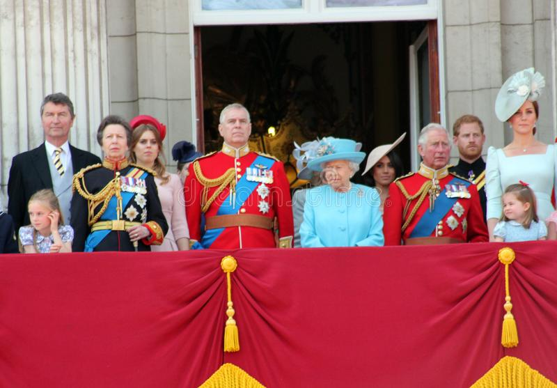 Królowa Elizabeth, Londyn, uk, 9th 2018 Czerwiec - Meghan Markle, książe Harry, książe George William, Charles, Kate Middleton &  zdjęcie stock