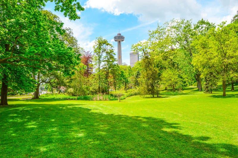 Królowej Wiktoria park w Niagara spadkach zdjęcia stock