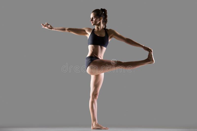 Krążąca ręka Dużego palec u nogi joga poza obrazy royalty free