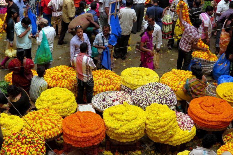 KR market in Bangalore!. Selling flowers at the market stock image