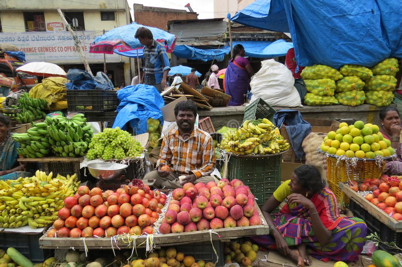 KR market in Bangalore!. Selling fruits at the market stock images