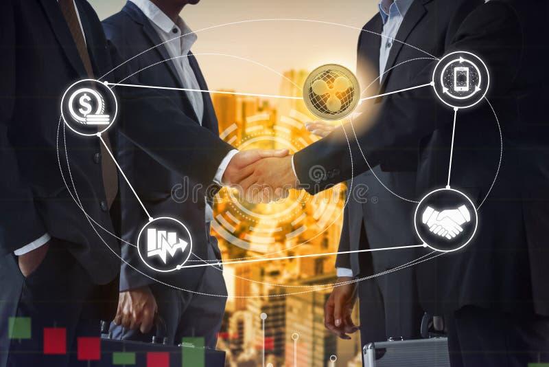Kr?uselung XRP und Cryptocurrency-Zahlung nehmen an lizenzfreie stockfotos