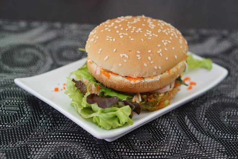 Krab en Alga Burger royalty-vrije stock fotografie