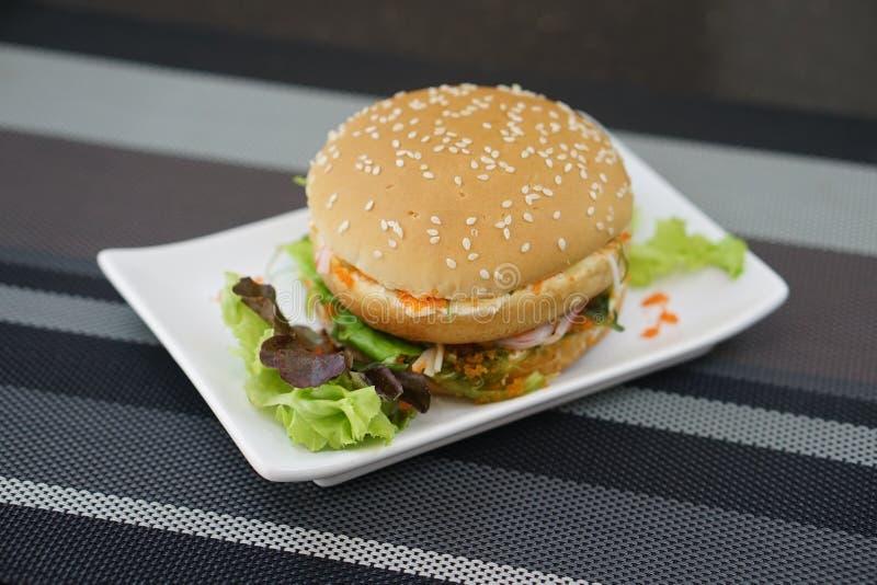 Krab en Alga Burger stock afbeelding