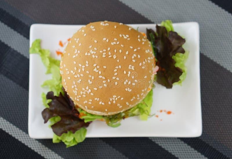 Krabbe und Alga Burger stockfoto