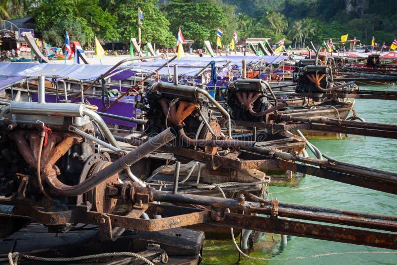 Krabi,泰国, 12月11,2013 :传统泰国小船,长尾巴 免版税库存图片