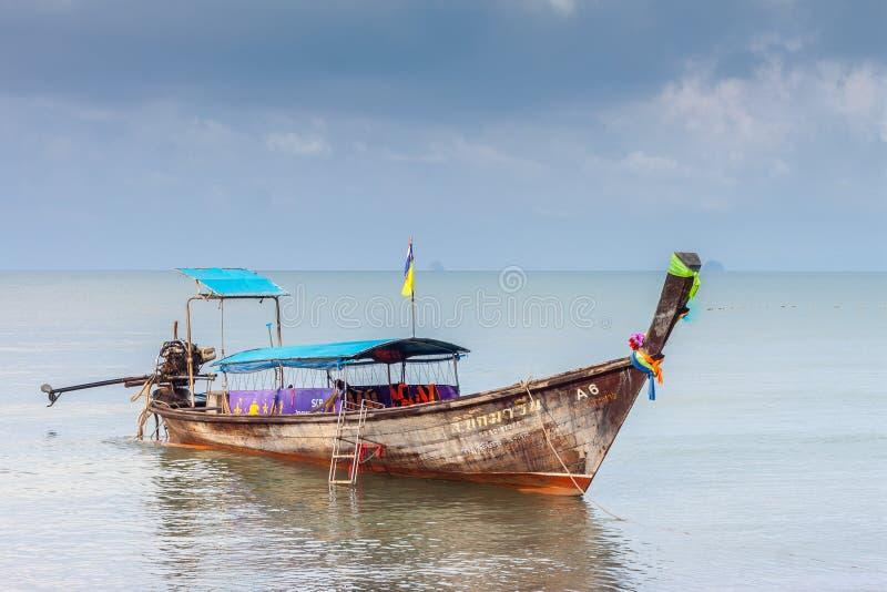 Krabi Tailândia - Krabi 20: Opinião do mar da praia em Krabi Tailândia 20/0 imagem de stock royalty free
