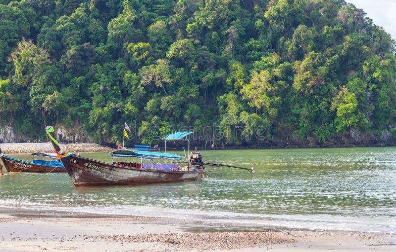 Krabi Tailândia - Krabi 20: Opinião do mar da praia em Krabi Tailândia 20/0 fotos de stock