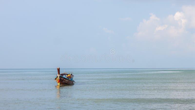Krabi Tailândia - Krabi 20: Opinião do mar da praia em Krabi Tailândia 20/0 imagens de stock royalty free