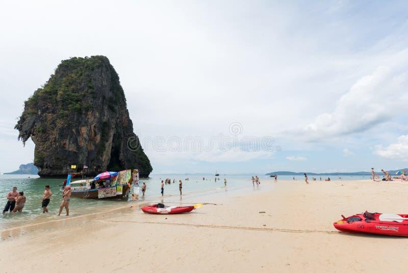 KRABI THAILAND - JANUARI 20: Rai lägger beace på Januari 20,2016 in arkivbild