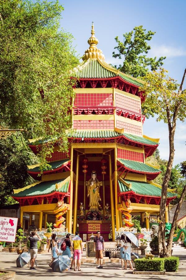 Krabi Thailand - Oktober 25, 2017: Pagod för kinesisk stil med a arkivfoto