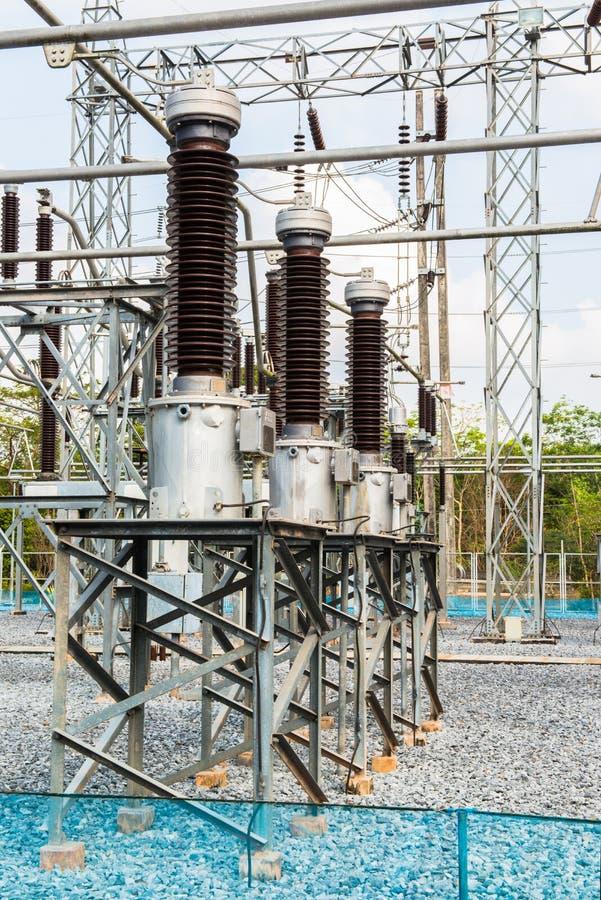 Download Krachtcentrale Voor Het Maken Van Elektriciteit Stock Afbeelding - Afbeelding bestaande uit installatie, gevaar: 39107597