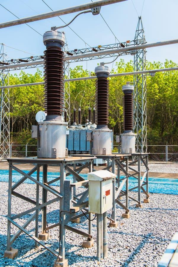 Download Krachtcentrale Voor Het Maken Van Elektriciteit Stock Afbeelding - Afbeelding bestaande uit energie, industry: 39108271
