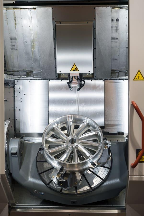 Krachtig 5 ascnc machinaal bewerkend centrum royalty-vrije stock foto