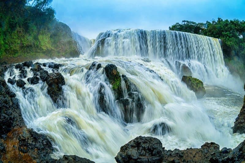 Krachtig van Sae Pong Lai-waterval in Zuidelijk Laos royalty-vrije stock foto's