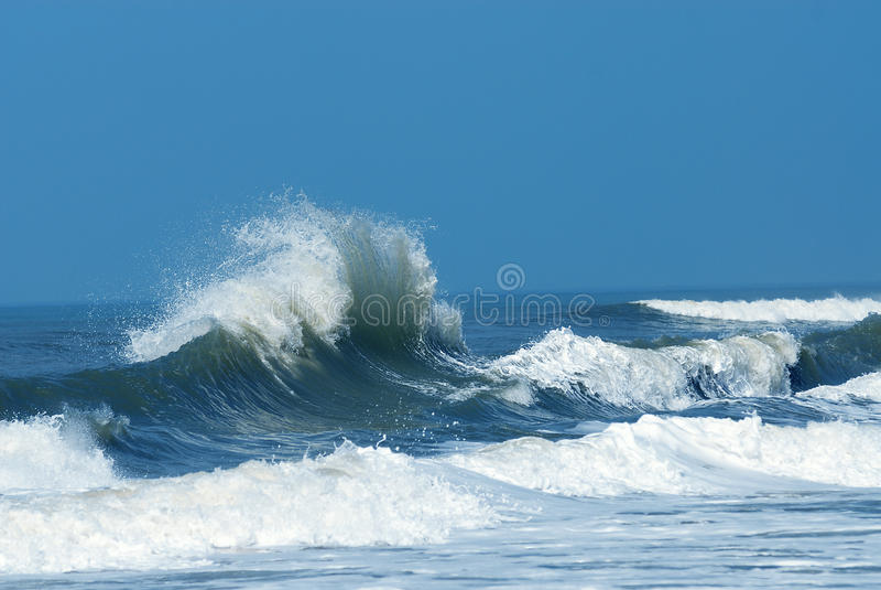 Krachtige Verpletterende Golf stock afbeelding