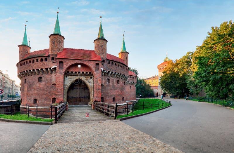 Kracow vakttorn - medeltida fortifcation på stadsväggar, Polen royaltyfria foton