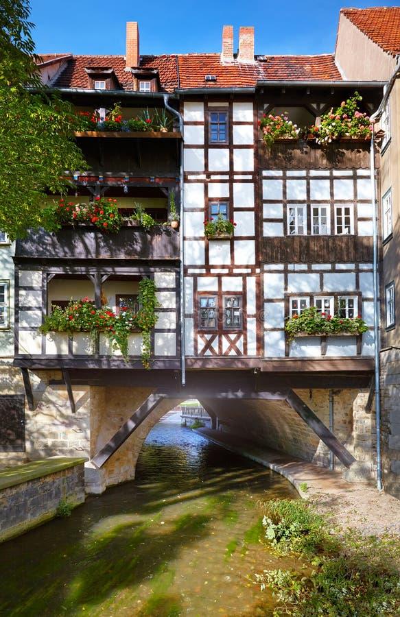 Kraemerbruecke的历史的用木材建造的房子-客商桥梁在埃福特,德国 免版税图库摄影