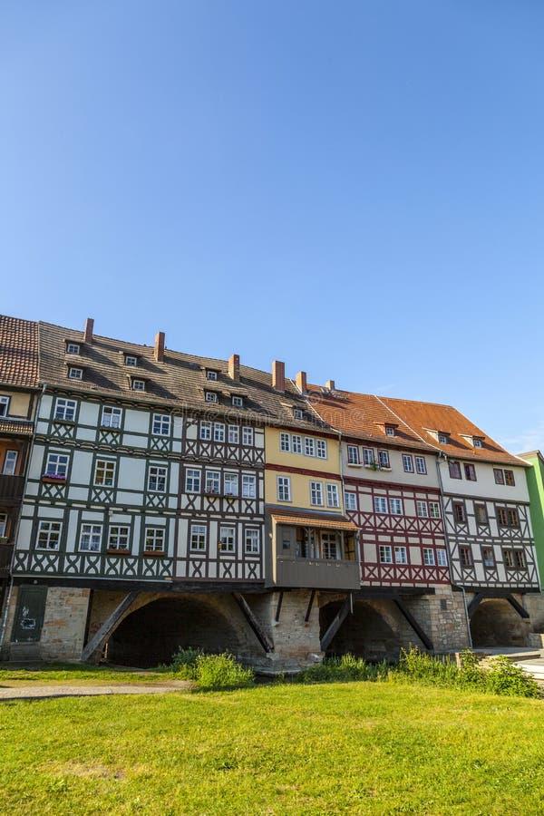 Kraemerbruecke的议院-客商桥梁在埃福特 免版税库存照片