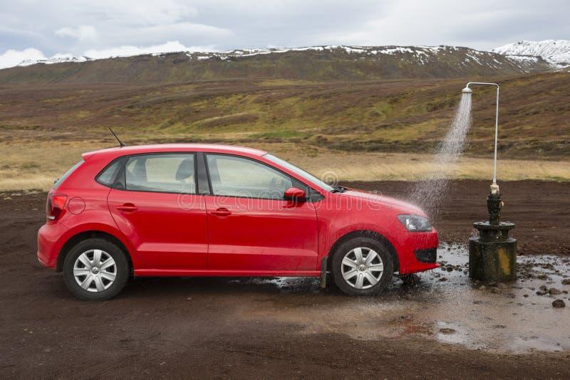 Krafla, Ισλανδία, στις 30 Νοεμβρίου 2014, αστείο πλύσιμο αυτοκινήτων στα ισλανδικά στοκ εικόνα