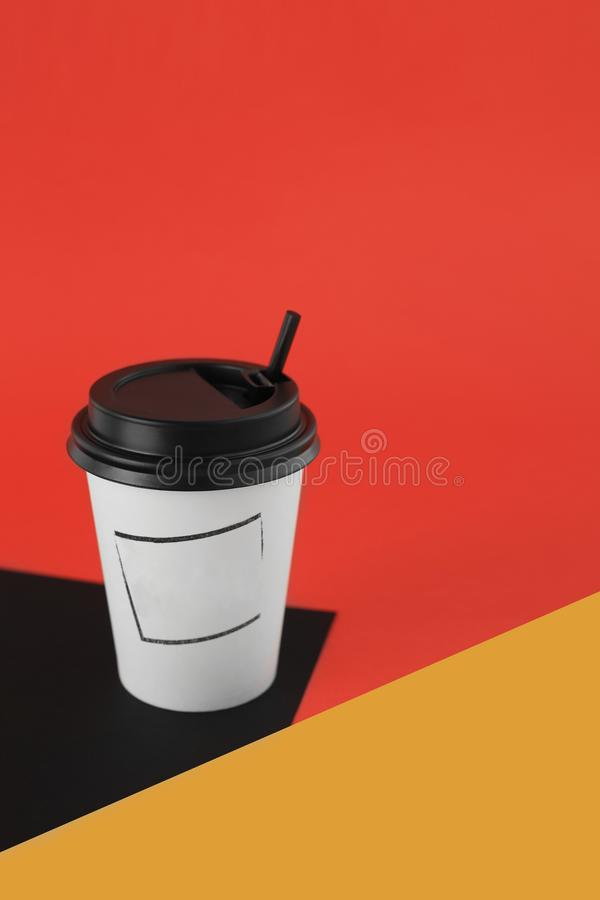 Free Kraft Cup For Hot Drinks Royalty Free Stock Photo - 142506115