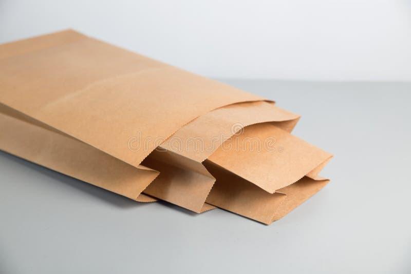 kraft pappers- påse arkivbilder