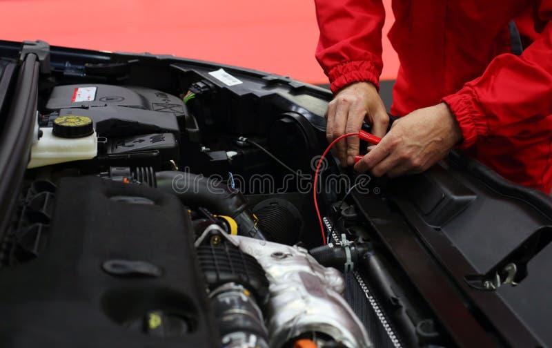 Kraftfahrzeugmechaniker stockbild