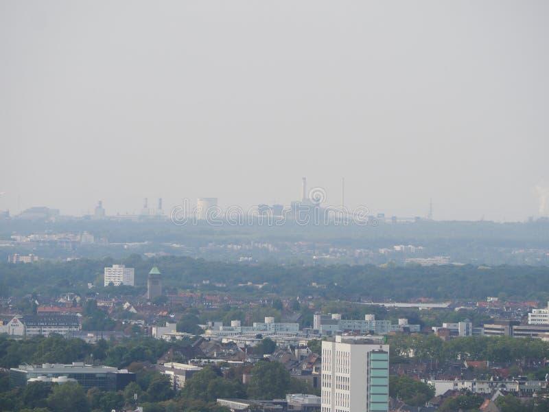 Kraftwerk Knapsack Chemical Park all'orizzonte a Koeln fotografia stock