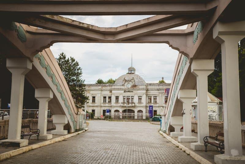 Kragujevac Serbien - Juli 18, 2016: Museet av Stara Livnica, lokaliserar nära gammal fabrik i Kragujevac, Serbien Underbar byggna arkivbilder