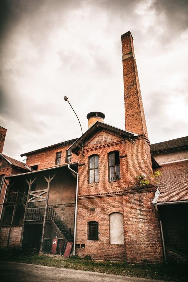 Kragujevac, Serbien - 18. Juli 2016: Museum von Stara Livnica, findet nahe alter Fabrik in Kragujevac, Serbien Wunderbares Gebäud lizenzfreie stockfotografie