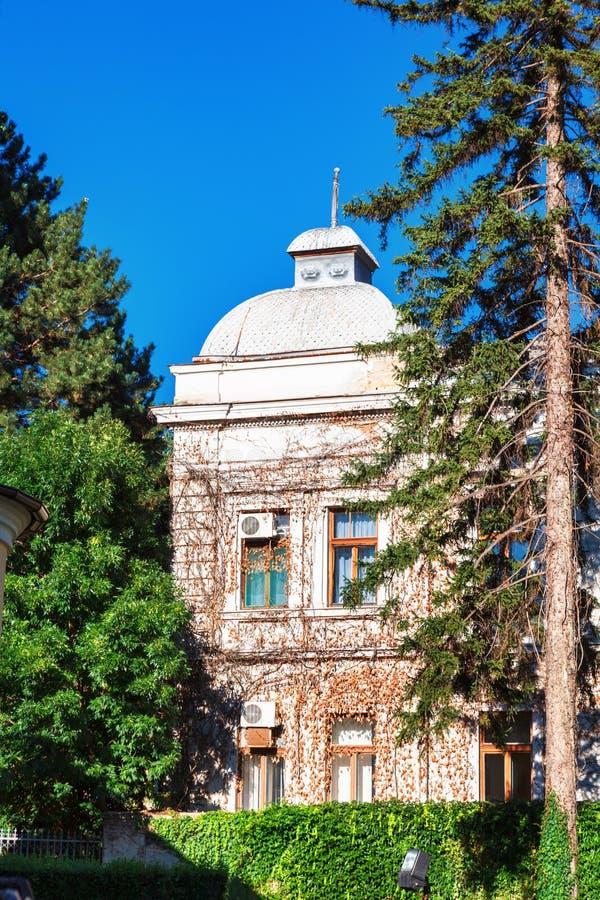 Kragujevac, Servië - Juli 18, 2016: Het district van Staralivnica, de oude Verlaten Zastava fabriek van Zastava in Kragujevac, Se royalty-vrije stock afbeeldingen